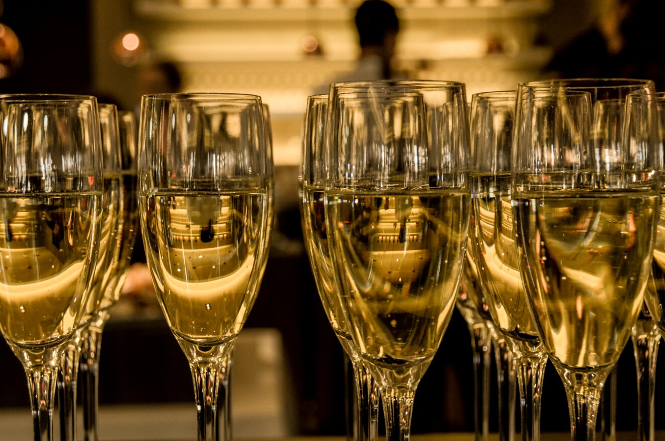 new_year_s_eve_ceremony_champagne_sparkling_wine.jpg