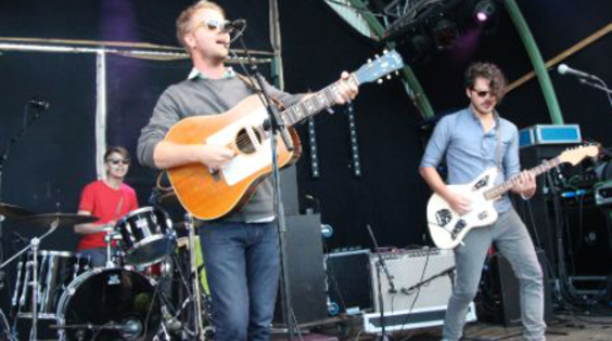 Afbeelding van Cayucas live op Into The Great Wide Open 2013