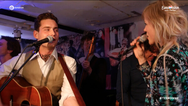 Douwe Bob & The Common Linnets - Slow Down @ The Bar