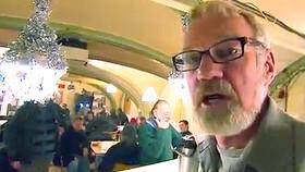Afbeelding van aflevering: De woonwagenbewoners, de rockmoeder en de zwervers-cafebaas