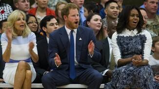 Harry en Michelle Obama bij wedstrijd rolstoelbasketbal