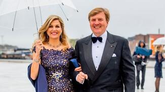 Royals komen aan voor banket Operhuis Oslo
