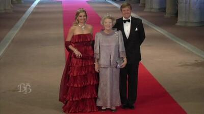 Binnen- en buitenlandse royals komen aan op afscheidsdiner
