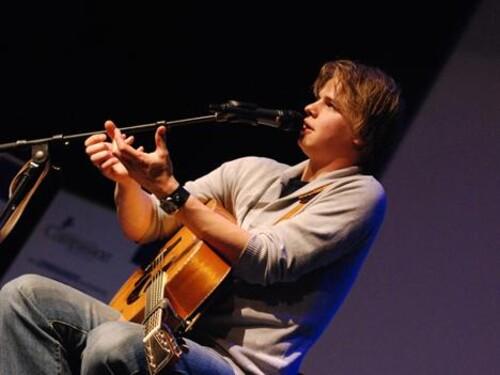 Praise op Zaterdag 02-06-2012 Radio 5 van 7-9 uur