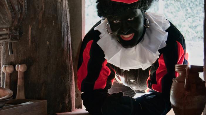 Afbeelding van aflevering: Moet zwarte Piet blijven? en: protesteren kun je leren!