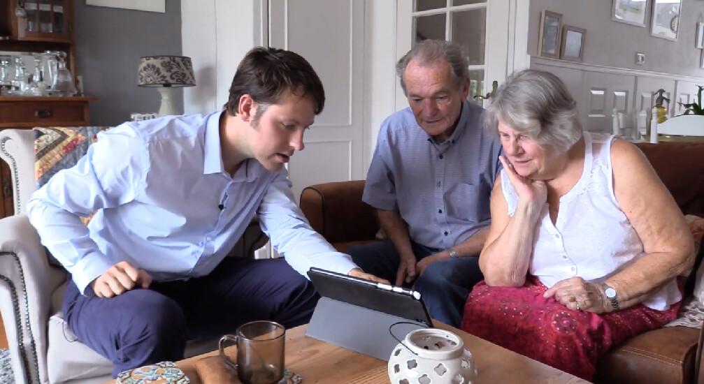 Herman gaat op bezoek bij opa en oma