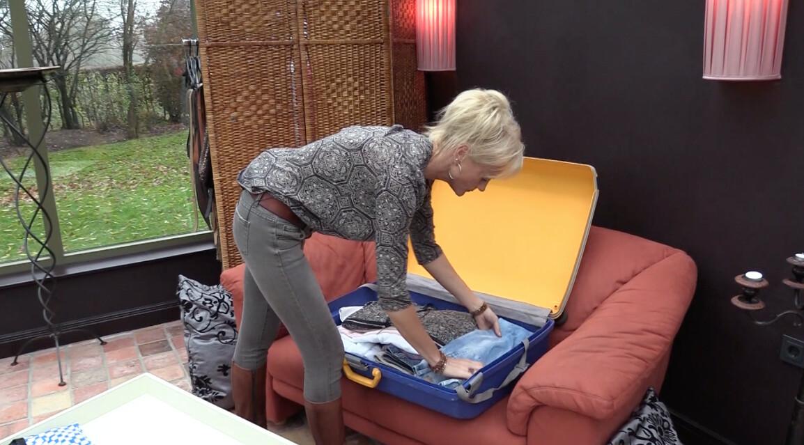 Sandra pakt haar koffer in voor Texas