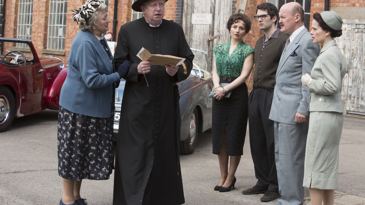 Father Brown - The Crackpot Of The Empire