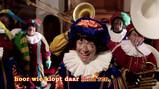 Hoor wie klopt daar kind'ren?: De pieten zingen een Sinterklaasliedje
