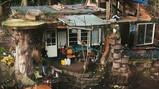 Wonen in een zelfgemaakt huis: Een piepkleine ecologische voetafdruk