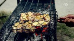 De Aardappeleters in de klas: Babi pangang