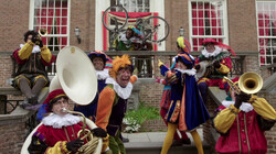 Piet ging uit fietsen: De pieten zingen een Sinterklaasliedje