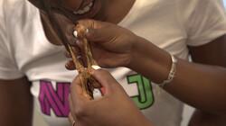 Kun je met pindakaas kauwgom uit je haar krijgen?: Een scheikundig wondermiddeltje