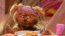 Met volle mond praten: Stukje uit Sesamstraat