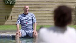 Krijg je kramp als je na het eten gaat zwemmen?: Kotsend in het zwembad