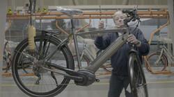 Hoe worden e-bikes gemaakt?: Van frame tot fietsbel