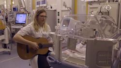 De Kennis van Nu in de klas : Muziektherapie bij couveuse-baby's
