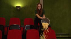 Bioscopen gebruiken popcorn om op te ruimen: Is het snugger of kletspraat?