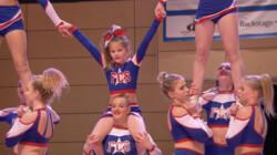 Hoe maak je een goede cheerleader-act?: Salto's en pyramides