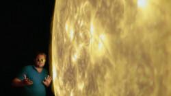 Hoe komt het dat de zon gevaarlijk is?: Een grote bal van waterstof