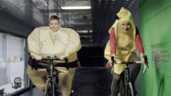Hoe ga je het beste om met de wind op de fiets?: Aerodynamische kleding en een goede positie