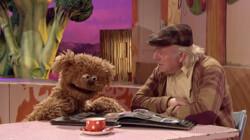 Opa's kleuterklas: Liedje uit Sesamstraat