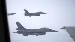 Hoe tank je een F-16 in de lucht?: Mee met een vliegtuig die F-16's tankt
