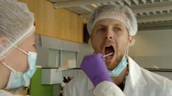 Kan je met bloed in een mug erachter komen wie de dader is?: DNA in het bloed in een mug