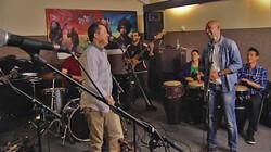 Wereldmuziek: Een vrolijke mix van muziekstijlen en instrumenten