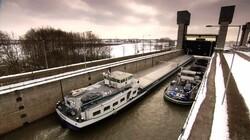 Kanalen en sluizen: Hulpmiddelen voor de scheepvaart