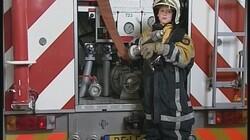 Brandweerkleding: Brandweermannen dragen beschermende kleding