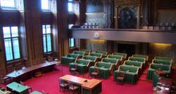 De Eerste Kamer in Den Haag: Sinds 1815 de controlerende macht