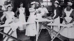 De IJzeren Eeuw in de klas: Afl. 4 Vrouwen voorwaarts