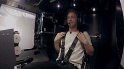 Wat doen G-krachten met je lichaam?: Bart test een raketsimulator