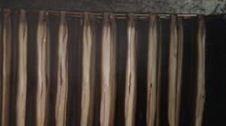 Hoe wordt paling gerookt?: Aan een stok in een rookkast