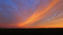 Wolken kijken: morgen- en avondrood: Water in de sloot of mooi weer in de boot?
