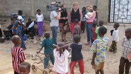 Over Mijn Lijk - Lonneke Gaat Naar Gambia