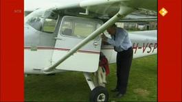 Flip De Beer - Vliegt In Een Vliegtuig
