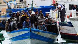 Door De Wereld - Vluchtelingenstroom Overspoelt Lampedusa
