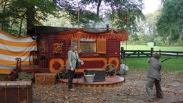 Elly En De Wiebelwagen - Aardappel Door Het Raam