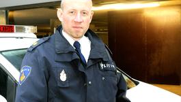 Het Politiebureau - De Bedreiging, De Politiehondencursus En Het Huiselijk Geweld