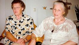 Het Familiediner - Henriëtte En Yvonne