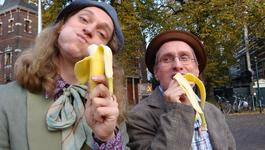 Elly En De Wiebelwagen - Bananenschillen