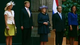 Netwerk (eo, Ncrv) - Debat Rond Koningshuis Laait Op