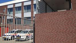 Het Politiebureau - Zoektocht Naar Verdachte En Ontdekking Hennepkwekerij