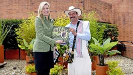 Blauw Bloed Koningin Máxima in Colombia en Peru