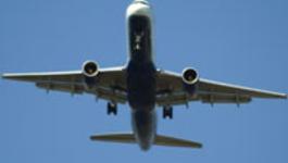 De Luchthaven - Auto-ongeluk En Vliegtuigspotters