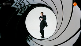 Afbeelding van Ian Fleming over de naam 'James Bond'