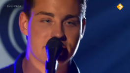 Douwe Bob zingt I'm Ready to Stay
