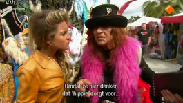 Mora is een hardcore hippie